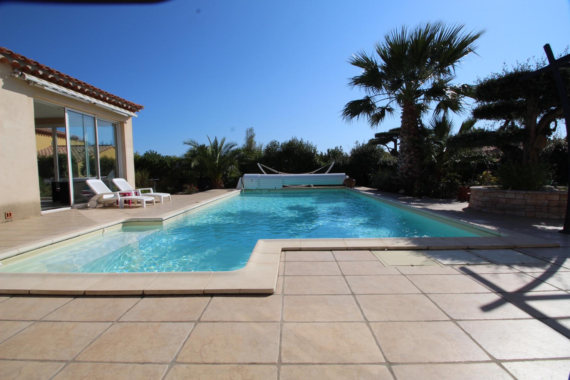Secteur perpignan sud propri t de standing - Couverture piscine tendue perpignan ...